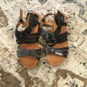 Never Worn! 7M Sofft Sandals